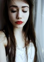 Paleness by waldrose