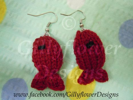 Knitted fish eardrops, Red by Gillyflower-Designs