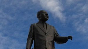 Dr. King statue by mylesterlucky7