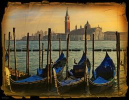 Venice early in the morning by Bobbyus