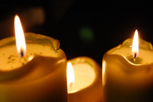 candles 003 by Dw33n