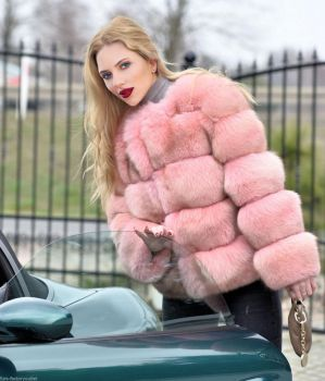 Scarlett Johansson in pink fox fur by FurHugo