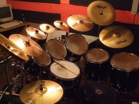 My Drumset January 2009 by Lee-Xai