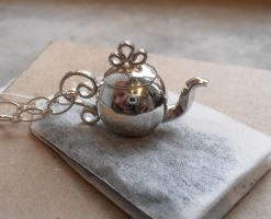 Frilly Peekaboo Teapot Pendant by fairyfrog