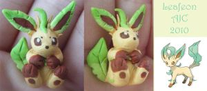 Leafeon charm by LeluDallas