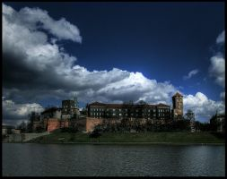 Wawel Royal Castle I by mikeb79