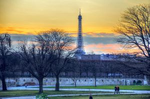 Sunset in Paris by olideb08