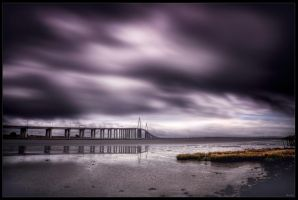 Under the bridge by zardo