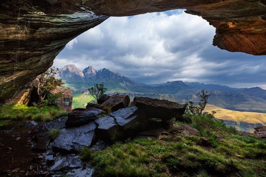 Tarn Cave by carlosthe