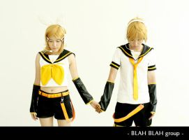 Vocaloid - Twins by soulCerulean