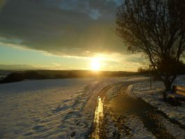 Sunset over the Snow by Amontadillo