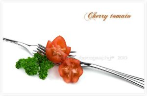 Cherry tomato star cut by shatinn