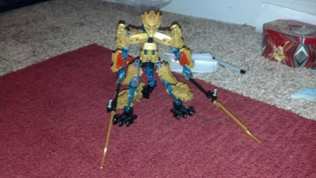 Bionicle: Luna the Golden Warrior  by Deadpool100000