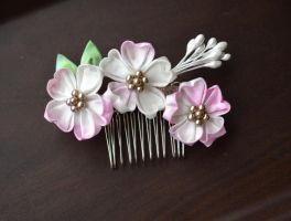 Pink and Brown Sakura: Cherry Blossom Kanzashi. by hanatsukuri