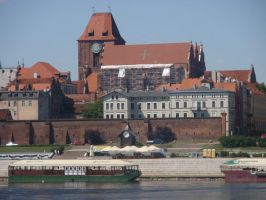 Cathedral Basilica in Torun by Woolfred