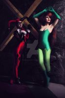 Poison Ivy and Harley Quinn by Katsurag