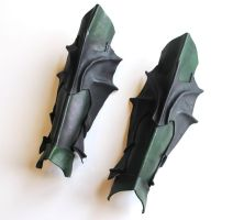 Daggers Greaves by Armenoc