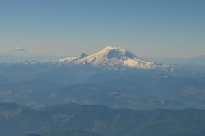 Mount Rainier by PoultryChamp