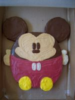 Mickey Ball Cake by iliketodoodle