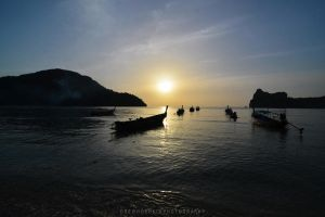 Ko Phi-Phi Sunset by drewhoshkiw