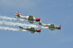 Aerostars Aerobatic Team by jhg162