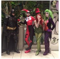 Harley, Ivy, Joker and THE BAT. by vandersnark
