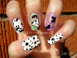 101 Dalmatians Nails by jeealee