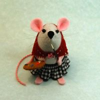 Artist Mouse Female by The-House-of-Mouse