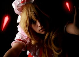 Darkness: Flandre Scarlet Cosplay by gybnxi