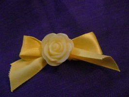 Yellow Hairbow w/ rose by Rainbowkitty-Designs