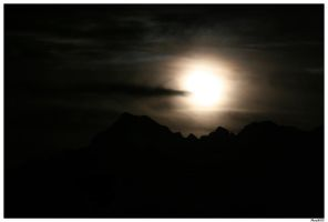 Moon over Valtellina by Metalelf0