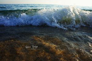 The pleasant and glorious wave by uniQsDesigns