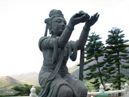 Statue at buddhist temple by mindrage