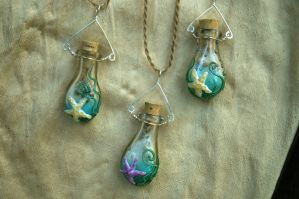 Maui Kai treasure bottles by MaheliHeliGlass