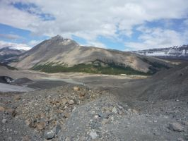 Athabasca Glacier 14 by raindroppe