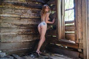 Katie Strain - The old house by d2l2