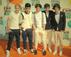 One Direction 2012 Kids' Choice Awards by SmallGirlInABigWorld