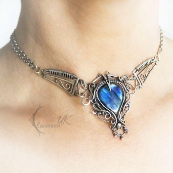 AHREE NEVILTH choker/silver and labradorite by LUNARIEEN