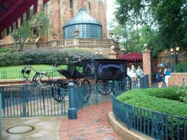 Haunted mansion's carridge by Nitrox8