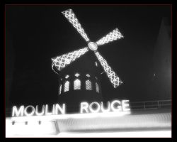 Moulin Rouge by Iaga