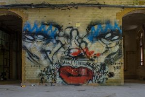 13-06 Graffiti Face by evionn