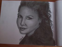 Beautiful Woman by pencil-to-papaer
