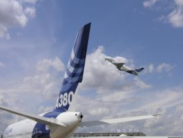 Airbus A380 plane land off by Alf-arobase