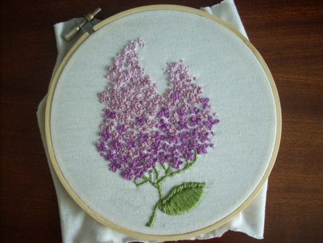 Lilac simple embroidery by UszatyArbuz