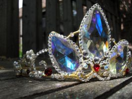 A Tangled Crown - Rapunzel's Tiara by angelyques