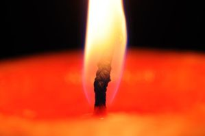 Candle ... by pixelmadness