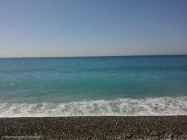 The sea by Rosshi