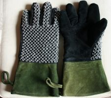 Rangers Maille Gloves by tBLAIRs