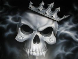 skull with crown on tahoe hood by Jonny5nLala