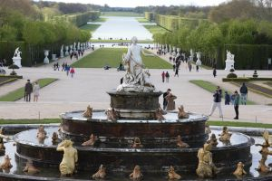 Versailles Fountain and grounds by 914four